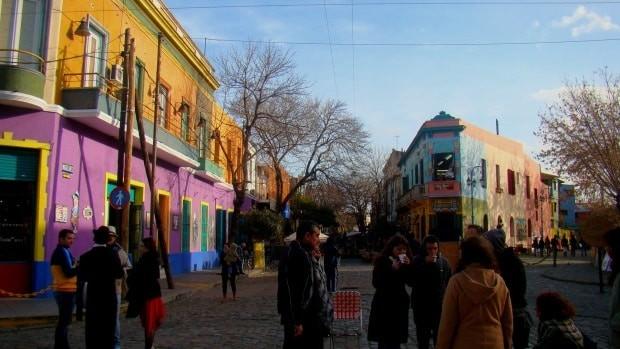 A região de El Caminito, em Buenos Aires, é muito turística, com todos os problemas que isso traz.