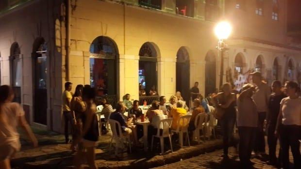 À noite, o Centro Histórico é uma mistura de ritmos e estilos
