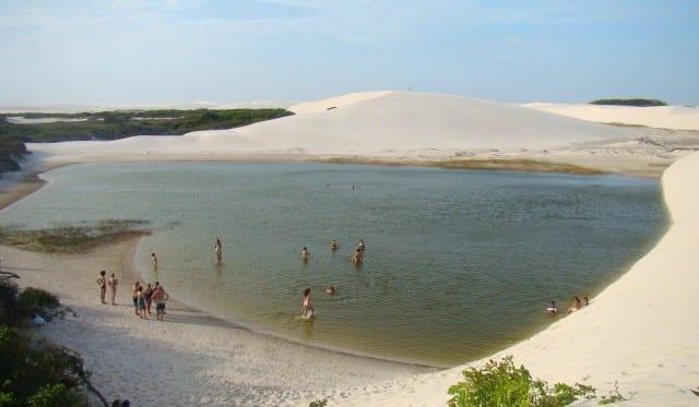 A Lagoa do Peixe ainda tinha água nos Lençóis Maranhenses em novembro