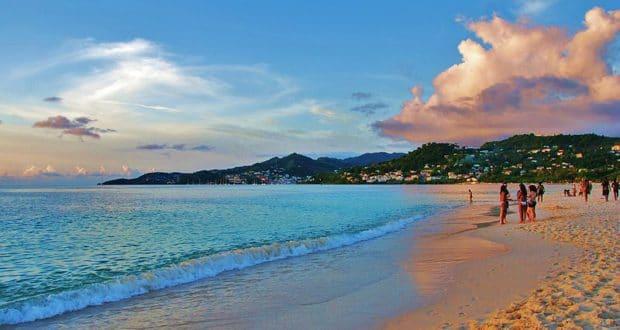 Praia de Grand Anse, em Grenada, no Caribe
