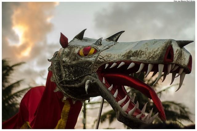 O famoso dragão do bloco Eu Acho é Pouco em 2014