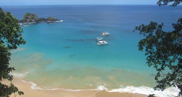 A Baía do Sancho é a praia mais bonita do mundo.