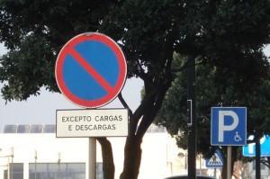 Placa de proibido estacionar