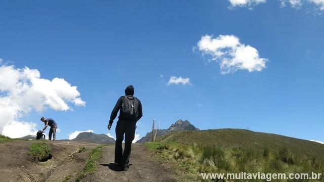 Vá com água e chocolate para a trilha que leva ao Ruco Pichincha
