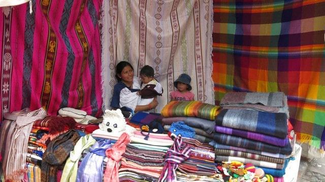 otavalo turismo equador feira cuicocha mochilao 201
