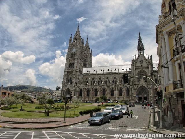 Basílica del Voto Nacional, no centro histórico de Quito