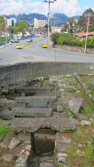 As ruínas inca no coração do centro histórico de Cuenca, uma surpresa no mochilão