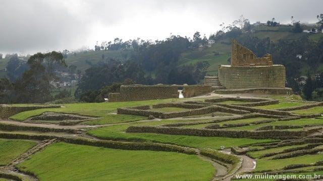 A base do Templo do Sol é original