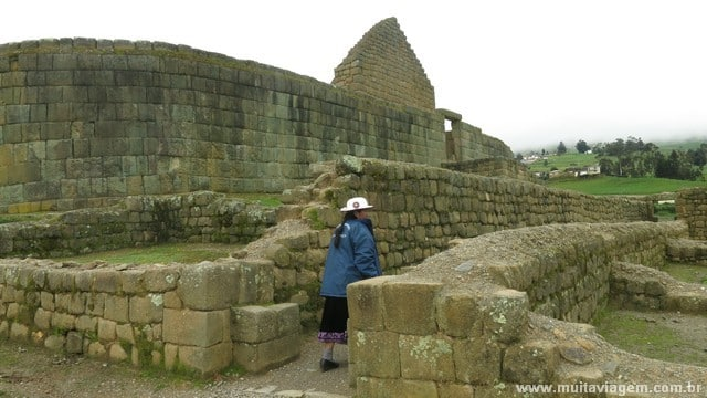 O Templo do Sol em Ingapirca, as maiores ruínas incas no Equador