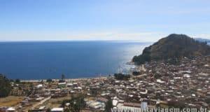 A Bahia de Copacabana é o principal destino turístico no Titicaca - Bolívia.