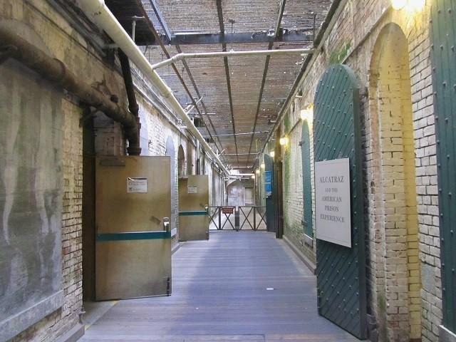 entrada-alcatraz-california