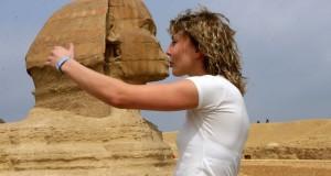 Fotos de viagens legais: Beijinho na esfinge
