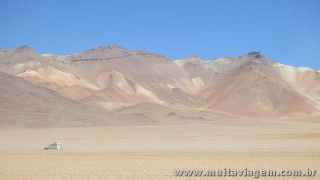 Algumas paisagens são surreais, como nesse trecho chamado de Deserto de Dali