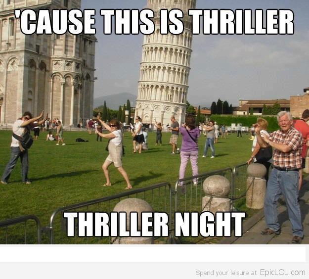 Os turistas fazendo graça na Torre de Pizza, na Itália, viraram até meme