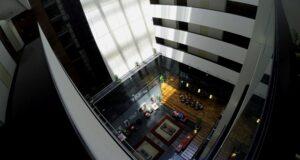 O hotel Four Points é opção para quem busca conforto no centro de Montevidéu.