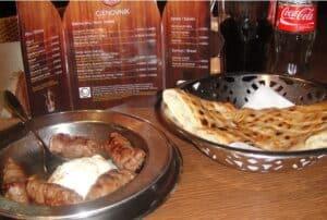 cevapi-restaurante-comida-bosnia