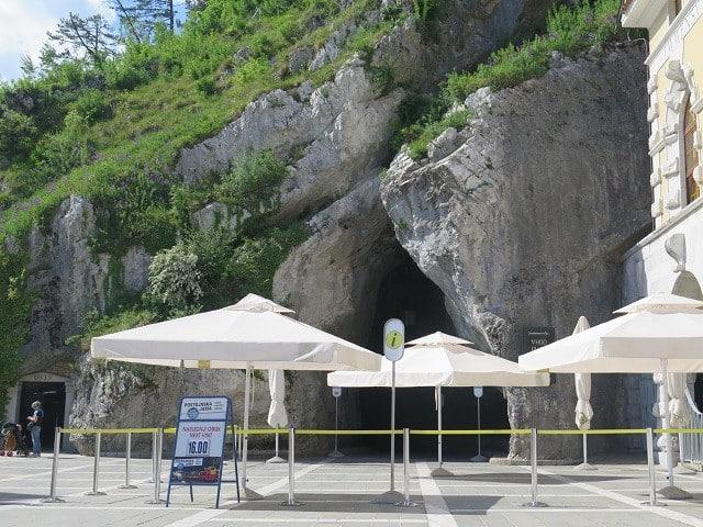 ingresso-caverna-postojna