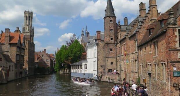 Rozenhoedkaai, o lugar mais fotografado de Bruges.   Foto: MV