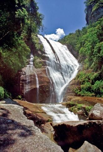 Maior cachoeira de Ilhabela.