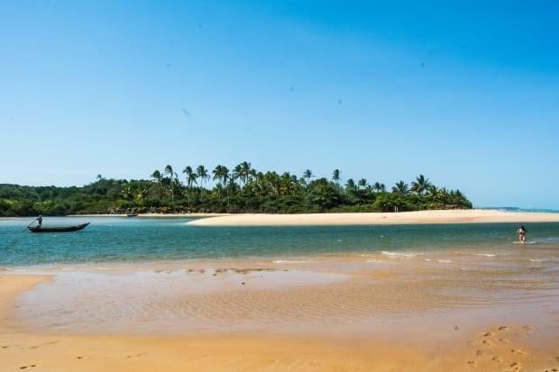 A 90 km de Porto de carro, Caraíva é uma das praias mais bonitas do Brasil