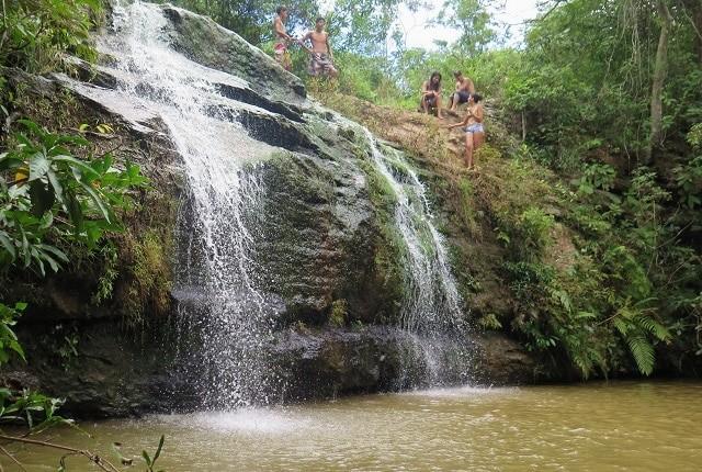 A Cachoeira da Cascatinha é a mais bonita do Pescan, com acesso por trilha curta e fácil.