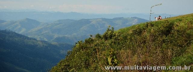 O ponto mais alto da Serra da Mantiqueira (Serra Negra) e vista do interior de SP e MG