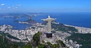 O Cristo Redentor é uma das atrações mais visitadas na Cidade Maravilhosa.