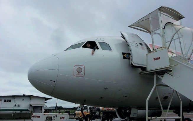 Qual o melhor lugar do avião? Via de regra, quanto mais perto da cabine de comando melhor.