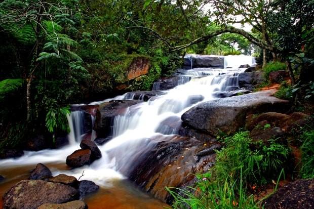 A Cachoeira do Barrocão fica a 4 km do centro de Bom Jesus dos Perdões - Rubens Chiri/Divulgação