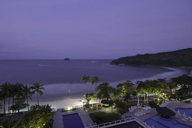 """Sofitel Guarujá Jequitimar, na Praia de Pernambuco, uma das mais bonitas do """"Guaru"""""""