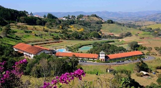 O clima de fazenda do ecoresort em Amapro