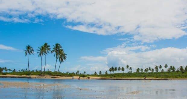 Famosa pelas ondas, Maracaípe também tem cenários perfeitos para relaxar