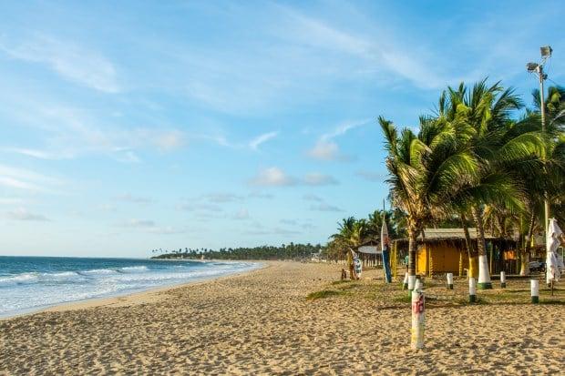 Colada a Porto de Galinhas e a 60 km de Recife, Maracaípe é mais rústica e tranquila que a vizinha