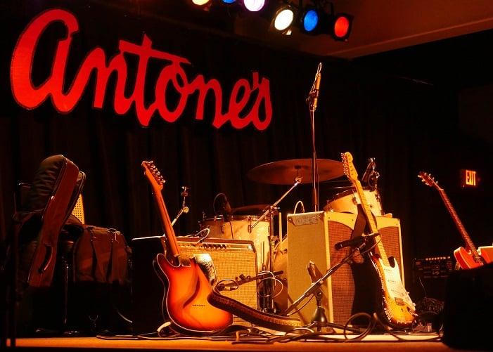 O Antone's é o melhor bar com música ao vivo em Austin, Texas.