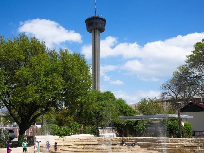 O Hemisfair Park é um dos mais visitados no Texas.