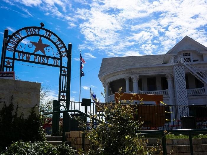 Veterans Foreign Wars Post 76 é o mais velho correio do Texas.