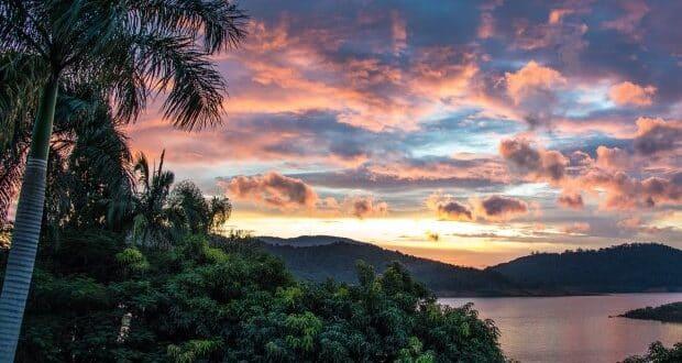 Pôr do sol na represa do Jaguary, na região de Extrema-MG