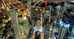 Nova York durante à noite fica especial. | Foto: Kolitha de Silva