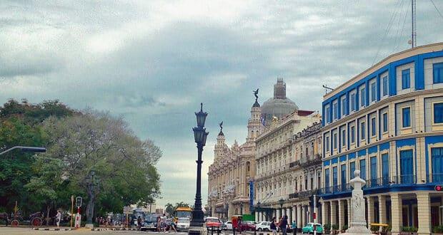 Havana, a capital de Cuba, tem prédios antigos e muita história