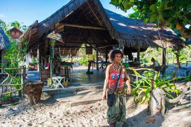 Arembepe uma vila hippie entre o mar da Bahia e lagoas Muita Viagem