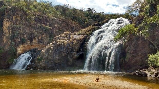 A região das Nascentes de Minas e da Serra da Canastra guarda muitas cachoeiras