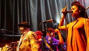 George Clinton e Funkadelic no bar em New Orleans