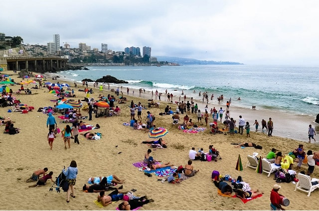 Praia Caleta Abarca, Viña del Mar | Foto: Muita Viagem