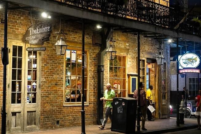 A esquina da St Peter com a Bourbon | Fotos: Muita Viagem