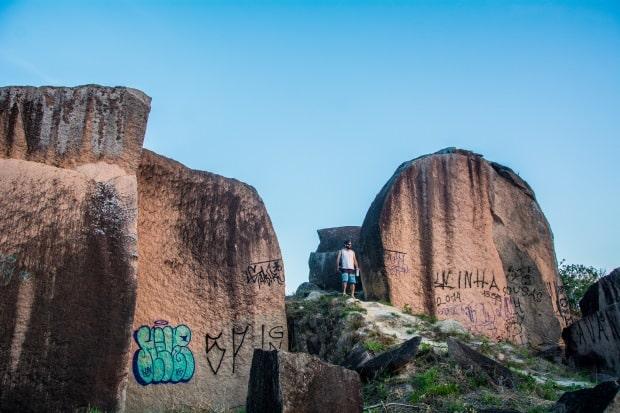 As pedras marcam a paisagem do Pico das Cabras, no interior de SP