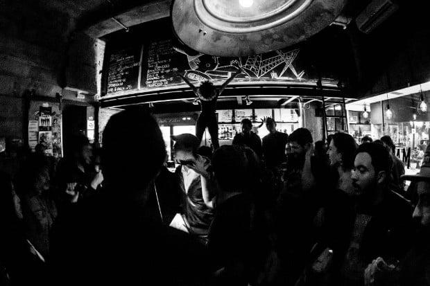 O Mandíbula tem estilo alternativo para ir no centro de São Paulo