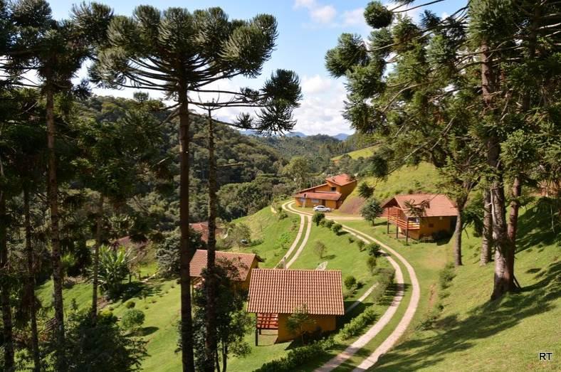 Lugares como Gonçalves, que têm pousadas como a Toca da Onça, estão entre os destinos mais românticos para ir perto do Dia dos Namorados