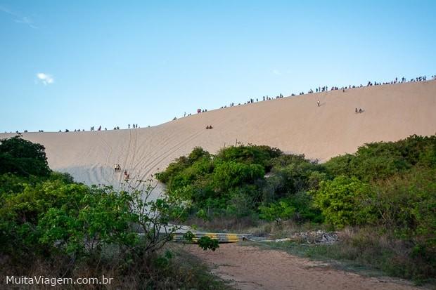 Não deixe de conhecer, em Canoa Quebrada, a duna do por do sol