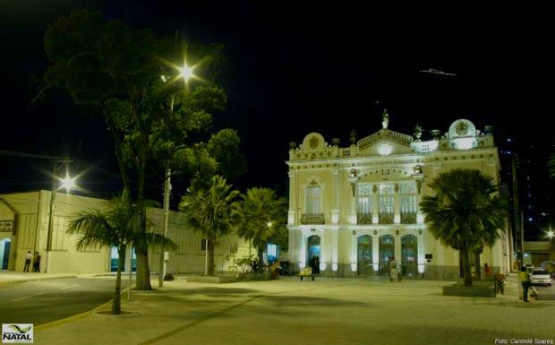 O Teatro Alberto Maranhão tem linhas arquitetônicas francesas