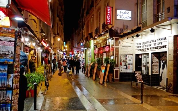 A rua de la Huchette é um dos pontos da agitada vida noturna de Paris - foto: dalbera